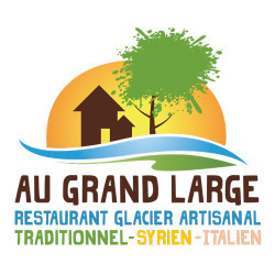 Au Grand Large restaurant in Décines near the water